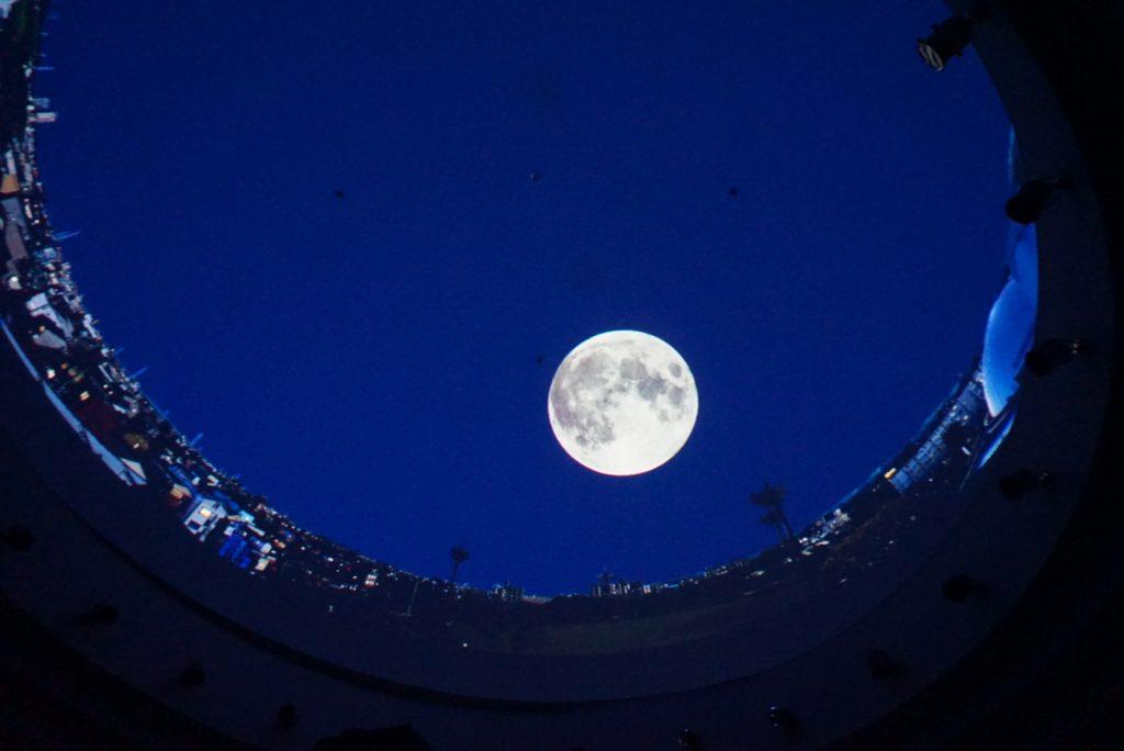 プラネタリウムでは月や星がきれいに見えました。
